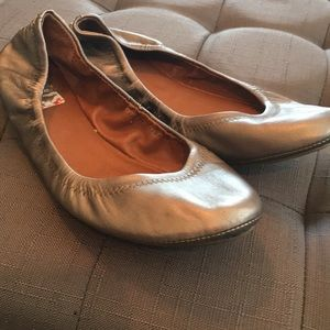 Lucky Brand pewter leather flats